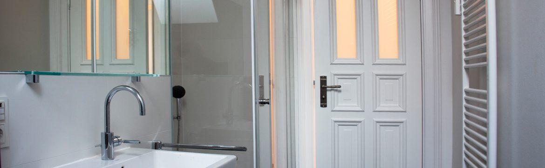 Badezimmertür aus Holz